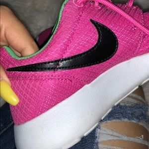 nike roshes womans
